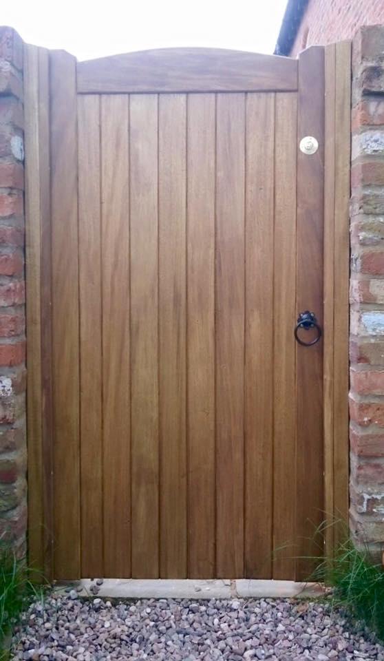Idigbo hardwood with medium oak stain