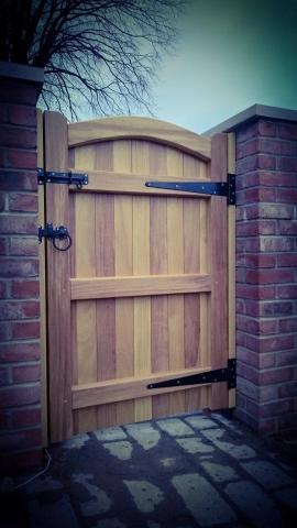 Iroko Hardwood Side Gate Rear – Lymm Design