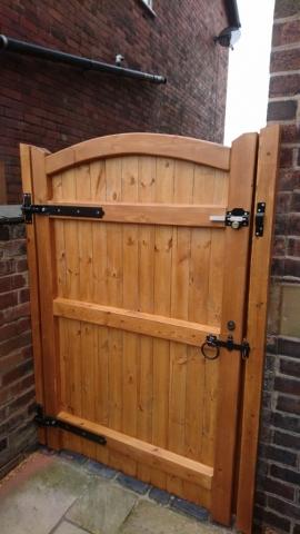 Softwood Side Gate Lymm Design Rear in Teak
