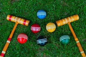 croquet bats and balls set